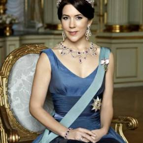 Her Royal Highness Crown Princess Mary of Denmark Christens a New Ship. (VIDEOS)