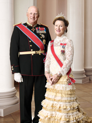 King And Queen Of Norway http://royalcorrespondent.com/2011/01/30/hm-king-harald-and-hm-queen-sonja-of-norway-headed-to-the-usa/