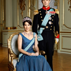 Their Royal Highnesses Crown Prince Frederik and Crown Princess Mary of Denmark Preside Over the 2013 Crown Prince Couple's Awards. (VIDEOS)
