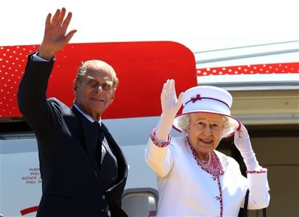 the farewell speech by queen elizabeth The farewell speech by queen elizabeth queen elizabeth: influential, inspiring, and intelligent queen elizabeth was thought of as one of the greatest rulers of england throughout queen elizabeth's life, religion always played.
