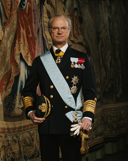 http://theroyalcorrespondent.files.wordpress.com/2011/12/hmkcg.jpg