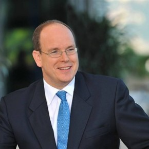His Serene Highness Prince Albert II of Monaco Views an Exhibition at the Galerie des Pêcheurs. (VIDEO)