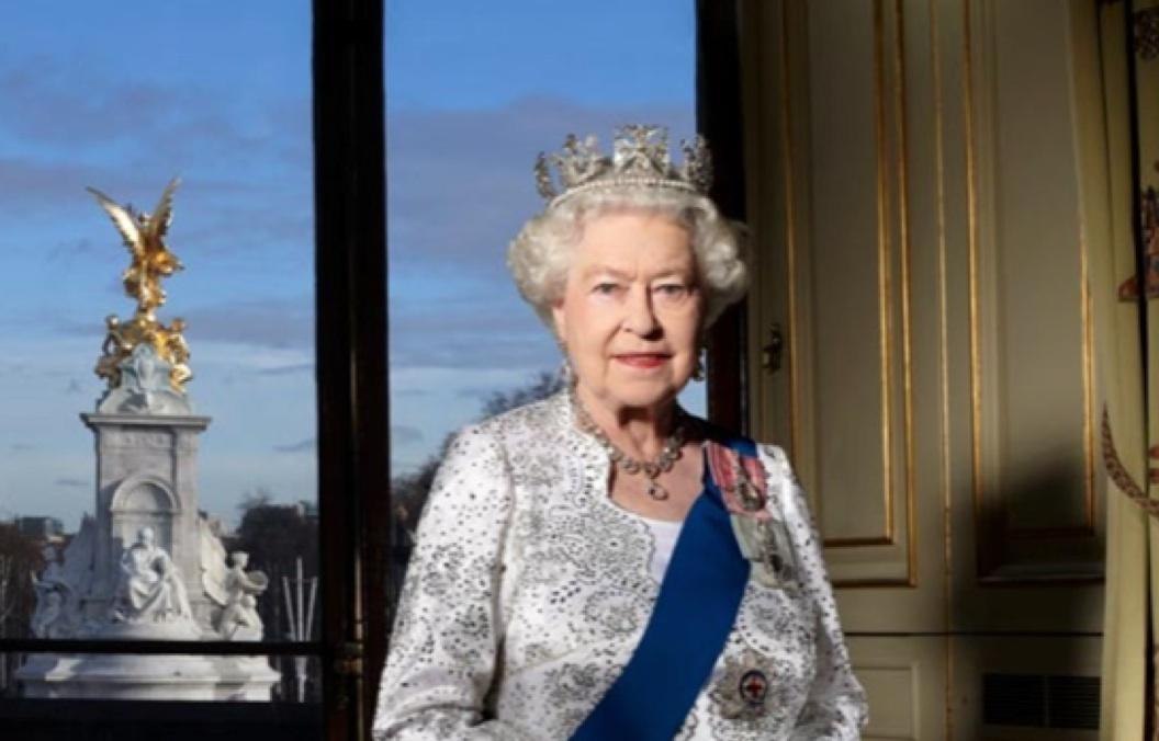 queen elizabeth majestic virgin queen essay