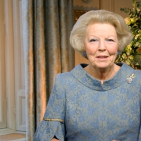 Her Majesty Queen Beatrix of the Netherlands Delivers Her Traditional Christmas Speech. (VIDEO)