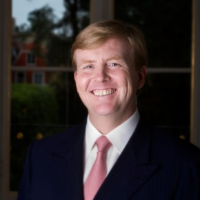 His Royal Highness Prince Willem-Alexander of Oranje Attends the Opening of the Life Science Park. (VIDEO)