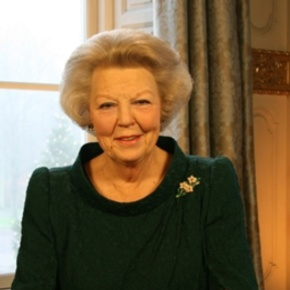 Her Majesty Queen Beatrix of the Netherlands Holds an Audience with the President of Tanzania.