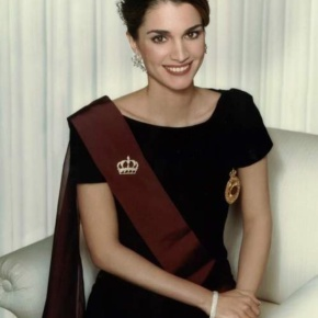 Her Majesty Queen Rania of Jordan Presides Over aMeeting.