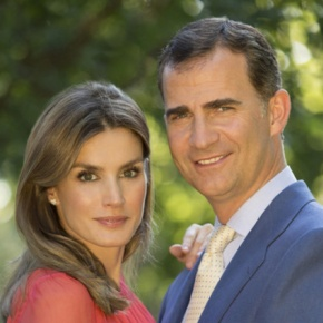 (VIDEO) Their Majesties King Felipe VI and Queen Letizia of Spain Host a Reception.