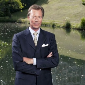 (VIDEO) A Christmas Interview with His Royal Highness Grand Duke Henri of Luxembourg.