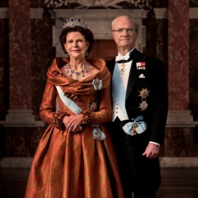 Their Majesties King Carl XVI Gustaf and Queen Silvia of Sweden Hold an Audience with the Prime Minister of Thailand.