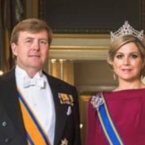 (VIDEOS) TMs King Willem Alexander and Queen Maxima of the Netherlands Attend the Nationale Herdenking in Amsterdam.