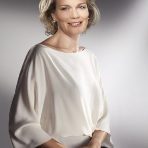 Her Majesty Queen Mathilde of Belgium Attends 'Fashion Talks: Get Inspired in Antwerp' (VIDEO)