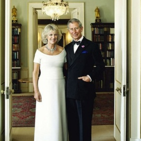 Their Royal Highnesses The Prince of Wales and The Duchess of Cornwall Enjoy an Evening Concert in Salle. (VIDEO)