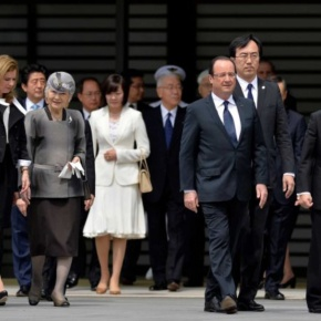 TIMs Emperor Akihito and Empress Michiko of Japan Welcome French President, François Hollande, to Tokyo.(VIDEOS)