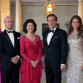 TMs King Carl XVI Gustaf and Queen Silvia of Sweden Host a Gala Dinner.(VIDEOS)