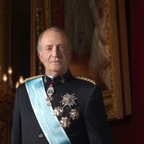 His Majesty King Juan Carlos I of Spain and His Royal Highness Prince Felipe of Asturias Participate in an Important Meeting. (VIDEO)
