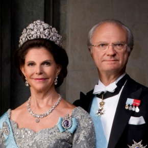 Members of the Swedish Royal Family Attend the Opening of the Exhibition, 40 År På Tronen: 40 År för Sverige. (VIDEO)