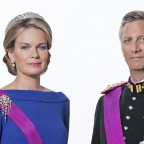 TMs King Philippe and Queen Mathilde of Belgium Attend Hanswijk Cavalcade. (VIDEO)