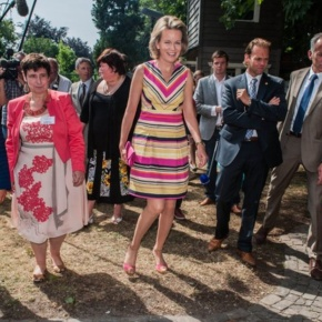 Her Royal Highness Princess Mathilde of Belgium Visits the House of Colours. (VIDEOS)