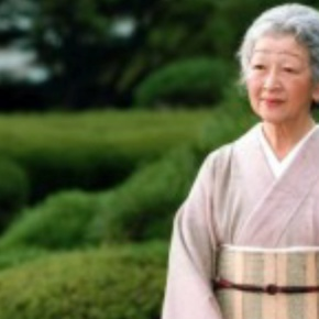 HIM Empress Michiko of Japan Takes Piano Lessons. (VIDEO)