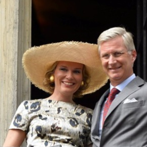 TMs King Philippe and Queen Mathilde of Belgium Visit Mons. (VIDEOS)