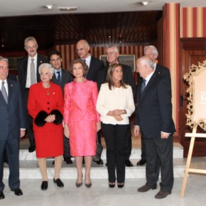 Her Majesty Queen Sofia of Spain Accepts an Award. (VIDEO)