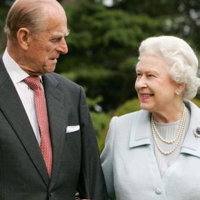 Her Majesty Queen Elizabeth II and HRH The Duke of Edinburgh Become Great-Grandparents for the Fourth Time. (VIDEO)