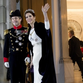 Members of the Danish Royal Family Attend the 2015 Nytårskur. (VIDEO)