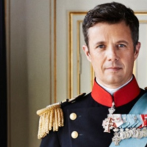 (VIDEO) HRH Crown Prince Frederik of Denmark Participates in an Open Water Swim Race.