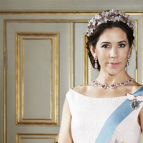 (VIDEO) HRH Crown Princess Mary of Denmark Opens a New School