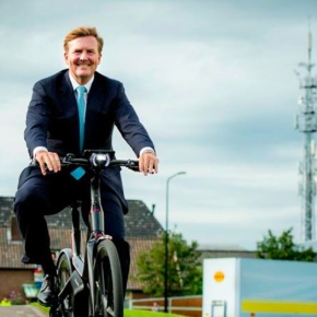 (VIDEOS) King Willem-Alexander of the Netherlands Opens a New Bicycle Factory.