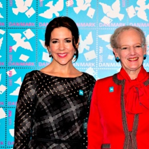 (VIDEO) HM Queen Margrethe II of Denmark Attends an Unveiling.
