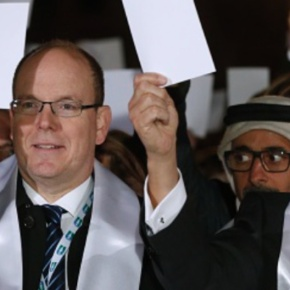 (VIDEO) HSH Prince Albert II of Monaco Participates in a Symbolic Walk for Peace.