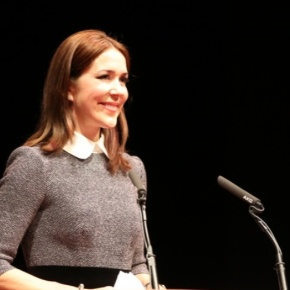 (VIDEO) HRH Crown Princess Mary of Denmark Gives a Keynote Speech in Den Haag.