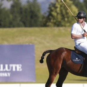(VIDEO) HRH Prince Harry of Wales Participates in a Charity PoloMatch.