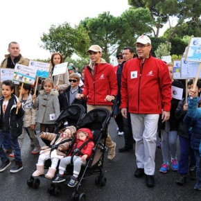 (VIDEO) TSHs Prince Albert II and Princess Charlene Participate in the March for Climate Walk.