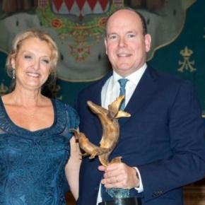 (VIDEO) HSH Prince Albert II of Monaco Receives Another Award.