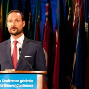 (VIDEO) HRH Crown Prince Haakon of Norway Visits Paris, France.