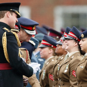 (VIDEO) HRH The Duke of Cambridge Visits Keogh Barracks.