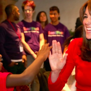 (VIDEOS) HRH The Duchess of Cambridge Attends a Christmas Party inLondon.