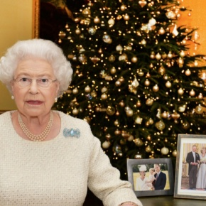 (VIDEO) Her Majesty Queen Elizabeth II Delivers Her 2015 Christmas Message.