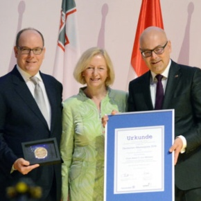 (VIDEO) HSH Prince Albert II of Monaco Receives the 2016 Deutscher Meerespreis.