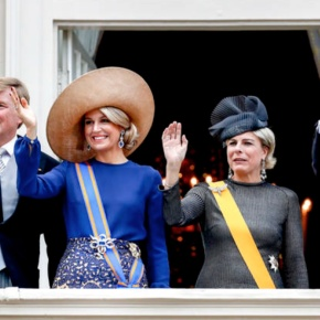 (VIDEOS) TMs King Willem Alexander and Queen Maxima of the Netherlands Attend the 2016 Prinsjesdag.