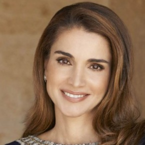 (VIDEOS) HM Queen Rania of Jordan Gives a Speech in Amman.