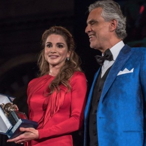 Her Majesty Queen Rania of Jordan Receives the Humanitarian Award from the Andrea Bocelli Foundation.