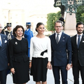 (VIDEOS) Members of the Swedish Royal Family Attend the Opening of the Riksdag Session.